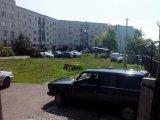 Парковка автомобилей на детской площадке