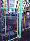 Детская площадка в ужасном состоянии